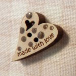 Bouton mini coeur with Love 4.50€