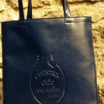 Lizzy bag grand modèle bleu marine : 115 €